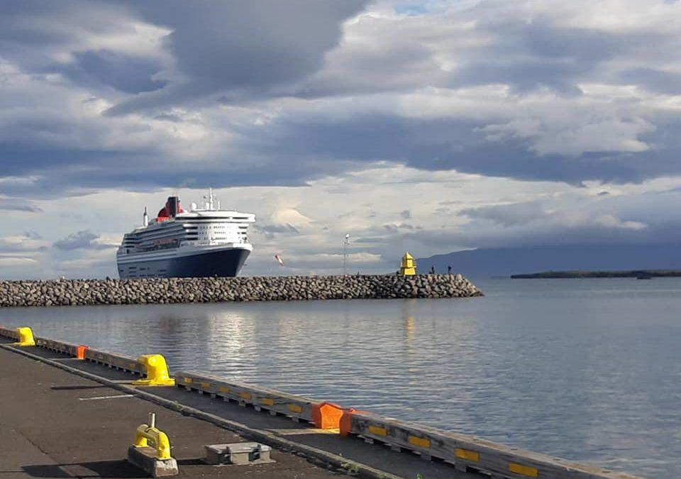Queen Mary 2 – Lengsta farþegaskip sem komið hefur til Reykjavíkur