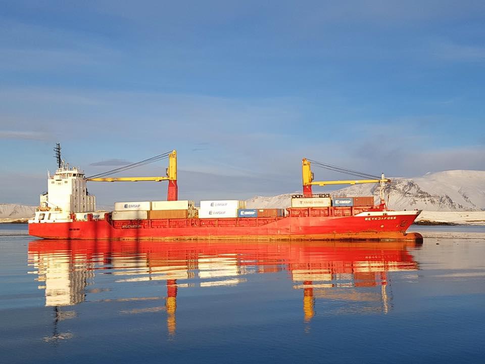 Aukning milli ára í skipakomum og stærð skipa